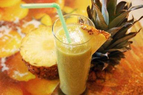 Ananasovyj-smuzi