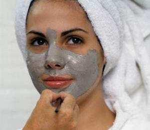 Golubaja-glina-v-kosmetologii