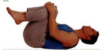 Uprazhnenie-podtjagivanie-kolenej