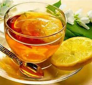 Лимон с чаем