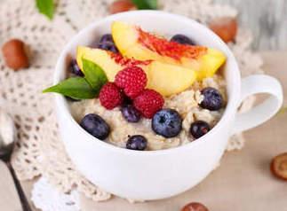 Геркулесовая каша с фруктами