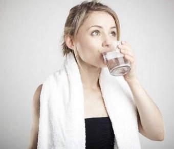 Как полоскать горло содой, солью и йодом