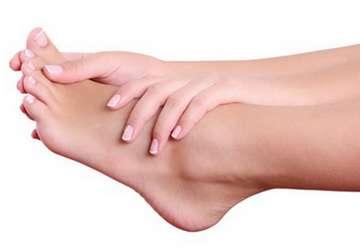 Причины возникновения и лечение косточек на ногах