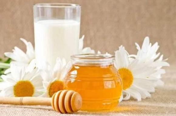 Ромашка и мед для укрепления нервной системы